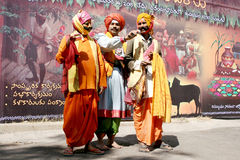Hinduiska harikathasångare arkivfoto