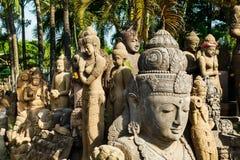 Hinduiska statyer på fabriken Arkivfoto