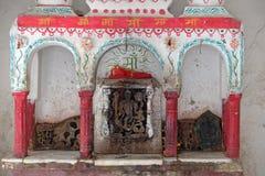 Hinduiskt altare på gatan av Pushkar, Indien arkivfoto