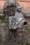 Hinduiskt klapp för gudinnastatyvatten Arkivfoto