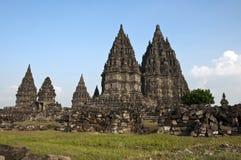Hinduiskt tempel av Prambanan Royaltyfri Fotografi