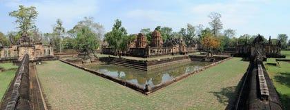 Hinduiskt tempel av Prasat Muang Tam Royaltyfria Foton