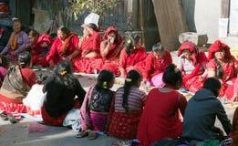Hinduist妇女在加德满都市 库存图片