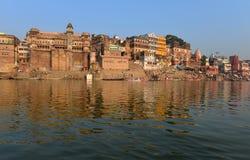 Hinduistisches Ghats in Varanasi Lizenzfreie Stockbilder