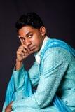 Hinduistisches Mannsitzen und -c$denken Lizenzfreie Stockfotos