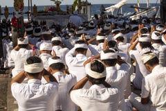 Hindus i böner, - Nusa Penida, Indonesien Royaltyfri Fotografi