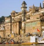hinduscy ghats ind Varanasi zdjęcie stock