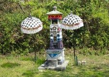 Hinduska świątynia Bali Indonezja i Parasols Zdjęcie Royalty Free
