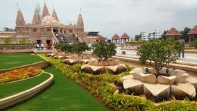 Hinduska bóg świątynia z flower& trawy projektami Obrazy Stock