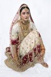 hinduski panny młodej klęczenie Zdjęcia Stock