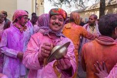 Hinduskie dewotki świętują Lathmar Holi w Barsana wiosce, Uttar Pradesh, India Zdjęcie Royalty Free