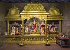 Hinduskie religii relikwie z słoni bóg i kwiatami Obrazy Royalty Free