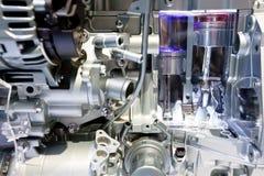 hinkbilen gears den gråa metalliska motorn Arkivfoto