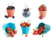 Hinken av inställda Cherry och jordgubbar Arkivbilder