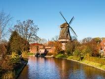 Hinte, traditionelle niederländische Windmühle Stockbild