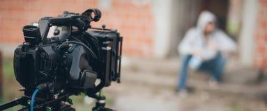 Hinter der Szene Schauspieler vor der Kamera lizenzfreies stockfoto