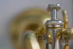 Hinter der Trompete Stockfoto