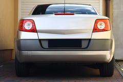 Hintere Ansicht des Autos stockfotos