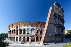 Hintere Ansicht des Colosseum Stockfotos