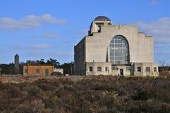Hintere Fassade des Errichtens von A von Radio-Kootwijk, die Niederlande lizenzfreies stockfoto