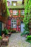 Hintere Gasse in Stralsund, Deutschland Lizenzfreie Stockbilder