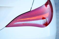 Hintere Leuchte eines modernen Autos Stockfotos