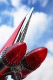 Hintere Leuchten in der Rakete bilden sich vom Weinleseauto Lizenzfreies Stockfoto