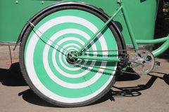 Hinteres Fahrradgrün des Rades. Stockbild