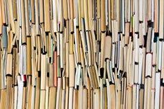 Hintergrund der alten Bücher Lizenzfreie Stockfotos