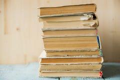 Hintergrund der alten Bücher /Old-Bücher Stockbilder