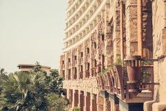 Hintergrund der Fassade des Wohngebäudes, das te des Hotels Stockbild