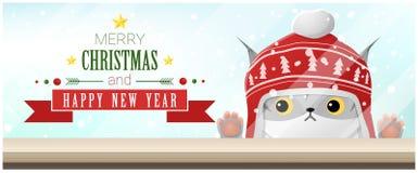 Hintergrund der frohen Weihnachten und des guten Rutsch ins Neue Jahr mit der Katze, die leere Tischplatte betrachtet Lizenzfreies Stockfoto