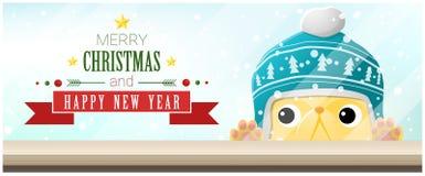 Hintergrund der frohen Weihnachten und des guten Rutsch ins Neue Jahr mit der Katze, die leere Tischplatte betrachtet Stockbilder