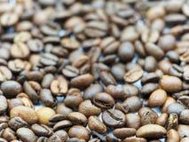 Hintergrund der Kaffeebohnen Stockbild