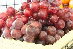 Hintergrund der roten Trauben Stockbild