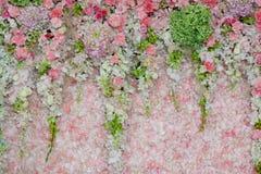 Hintergrund der schönen Blumenhochzeitsdekoration Lizenzfreie Stockfotos