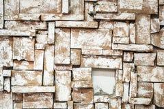 Hintergrund der schmutzigen Backsteinmauer der alten Weinlese mit Schalengips lizenzfreie stockfotografie