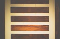 Hintergrund des Betons und des Holzes Lizenzfreie Stockbilder