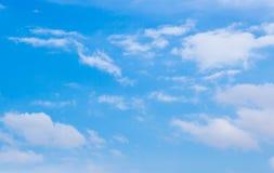 Hintergrund des blauen Himmels Stockfotografie