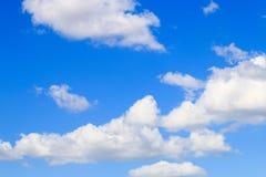 Hintergrund des blauen Himmels Lizenzfreie Stockfotos
