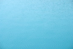Hintergrund des blauen Wassers - Auszug Lizenzfreies Stockbild
