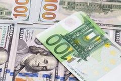 Hintergrund des Geldes Euro und Dollar Stockfotos
