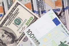 Hintergrund des Geldes Euro und Dollar Lizenzfreie Stockfotografie