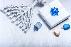 Hintergrund des jüdischen Feiertags Hanukkah Die religiösen Symbole lizenzfreie stockfotos
