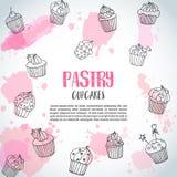 Hintergrund des kleinen Kuchens mit handdrawn kleinen Kuchen und Rosa spritzt Gebäckslogan Vektor Lizenzfreie Stockfotos