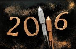 Hintergrund des neuen Jahres 2016 mit Raketen Lizenzfreie Stockfotografie