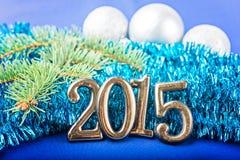 Hintergrund des neuen Jahres mit Tannendekorationen Stockfotos