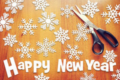 Hintergrund des neuen Jahres mit verschiedenen Schneeflocken Lizenzfreies Stockbild