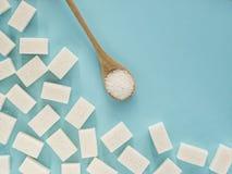 Hintergrund des raffinierten Zuckers mit Kopienraum stockbild