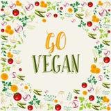 Hintergrund des rohen Gemüses mit gehen Text des strengen Vegetariers Stockbilder